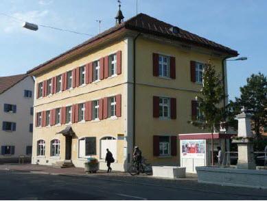 Altes Dorfschulhaus am Dorfplatz